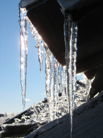 roof repairs and maintenance gutter-icicles