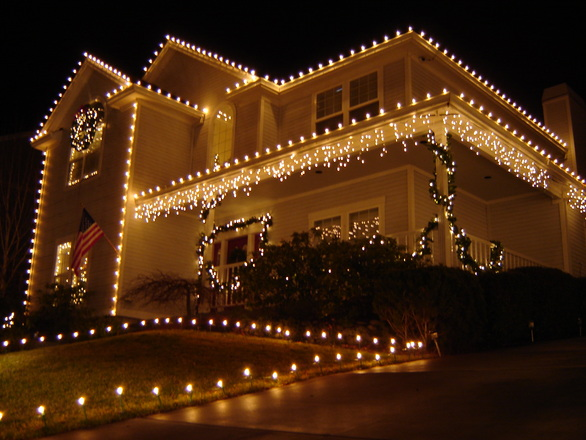 roof and gutter decorations