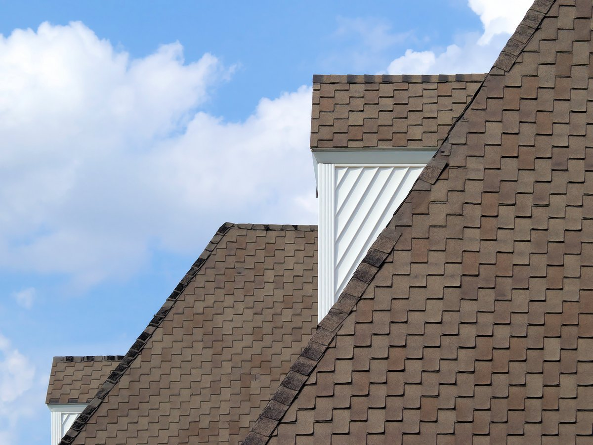asphalt shingles used by roofers in Michigan